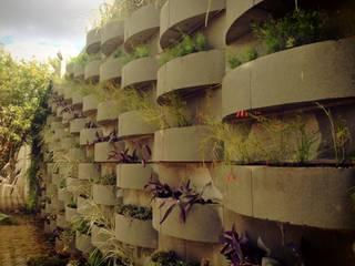 Casa em São Roque Jardins rústicos por RMS arquitetura e interiores Rústico