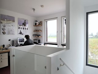 Modern study/office by Architectenbureau Jules Zwijsen Modern