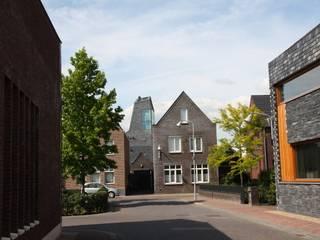 Torenwoning:  Huizen door Architectenbureau Jules Zwijsen, Modern