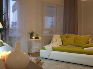 Restyling e Home Staging di un mini appartamento di homeSbattistella Moderno