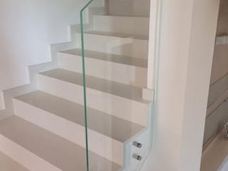 Forme snc. Modern houses Glass White