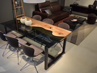3 DESKI Dining roomTables