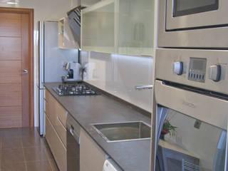 Mobiliario de cocina de Visaespais, reformas y rehabilitaciones en Tarragona Moderno