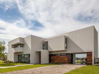 Modern houses by Besonías Almeida arquitectos Modern