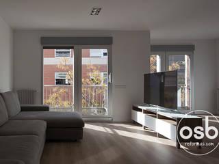 Scandinavian style living room by osb arquitectos Scandinavian