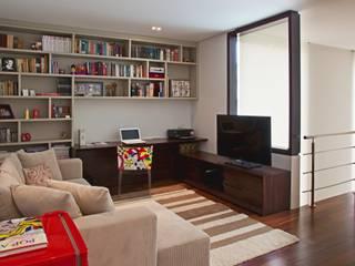Studio Leonardo Muller 现代客厅設計點子、靈感 & 圖片 木頭 Beige