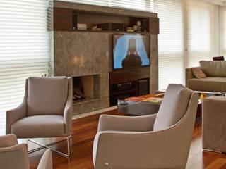 Salas modernas de Studio Leonardo Muller Moderno