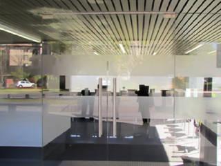 Clinica OREMA:  de estilo  por DeskWORK Chile