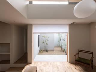 Moderne Wohnzimmer von 安江怜史建築設計事務所 Modern