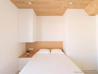 Reforma para Cristina y Juan Carlos: Dormitorios de estilo  de Pablo Muñoz Payá Arquitectos