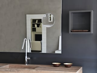 A bathroom different than usual Industrial style bathroom by Ronda Design Industrial