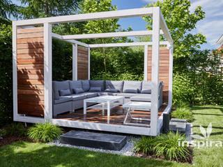 Kameralny ogród nowoczesny: styl , w kategorii Taras zaprojektowany przez Studio architektury krajobrazu INSPIRACJE