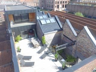 Loft à Tourcoing Balcon, Veranda & Terrasse modernes par Agence S. Duca Architecte DPLG Moderne