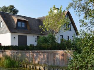 Klassischer Garten von KLAP tuin- en landschapsarchitectuur Klassisch