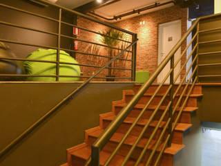CrossFit BH 3 - Unidade Mangabeiras Edifícios comerciais industriais por Daniel Carvalho Arquiteto Industrial