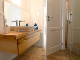 yesHome Mediterranean style bathroom