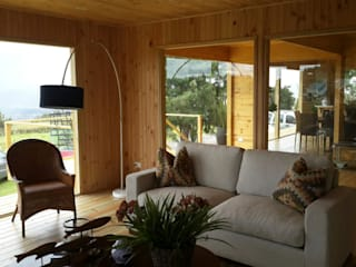 Taller de Ensamble SAS Modern living room Wood Wood effect