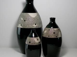 Grandes bouteilles noir en grès:  de style  par Si la pluie...