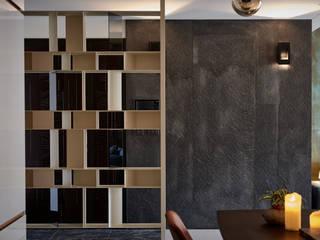 Corredores, halls e escadas modernos por DYD INTERIOR大漾帝國際室內裝修有限公司 Moderno