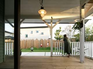 Balcone, Veranda & Terrazza in stile classico di dwarf Classico