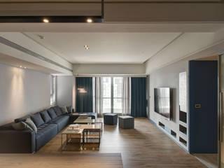 A Decade 现代客厅設計點子、靈感 & 圖片 根據 Taipei Base Design Center 現代風