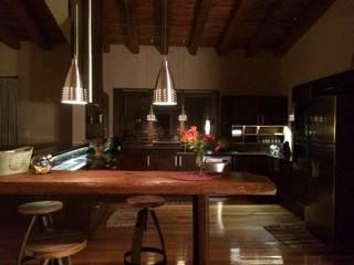Vivienda en Algodon Wine Estates - Lote E12 Cocinas rústicas de Azcona Vega Arquitectos Rústico