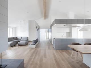 Penthouse V destilat Design Studio GmbH Moderne Wohnzimmer