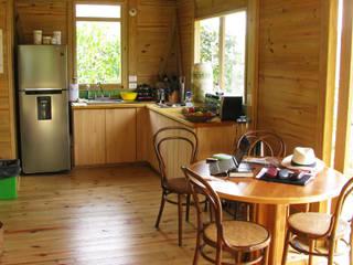 Cocinas de estilo moderno de Taller de Ensamble SAS Moderno Madera Acabado en madera