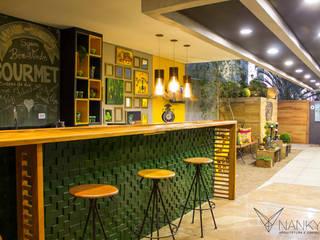 Varanda Gourmet :: Casa Cor MS 2016 Espaços gastronômicos ecléticos por Nankyn Arquitetura & Consultoria Eclético