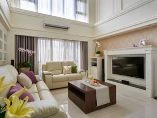 法式美學新古典-浪漫優雅樓中樓 采金房 Interior Design 现代客厅設計點子、靈感 & 圖片