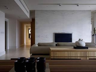 Phòng ăn phong cách tối giản bởi 大言室內裝修有限公司 Tối giản