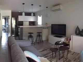 Appartement près de Marseille aDesign Aménagement SalonAccessoires & décorations