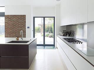 Gallery House on Richmond Park Elemental Architecture Cocinas de estilo moderno