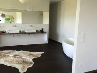 haus k - tegernsee Badezimmer im Landhausstil von architekturbüro holger pfaus Landhaus