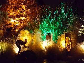 Durch passende Beleuchtung einen kleinen Garten in Szene setzen Mediterraner Garten von Moreno Licht mit Effekt - Lichtplaner Mediterran