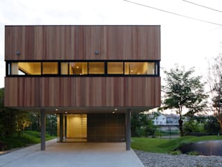 Eclectic style houses by 株式会社CAPD Eclectic