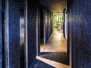 Corridor and hallway by edelundstein GmbH ,