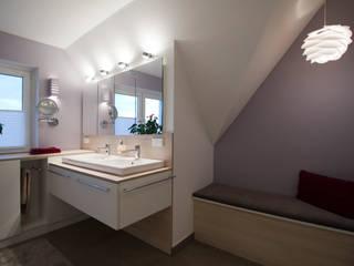 Modern Bathroom by Höltkemeier InnenArchitektur Modern
