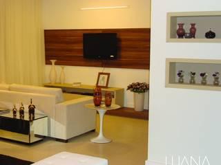 Apartamento Tramas Salas de estar modernas por Luana Mendonça Arquitetura Moderno