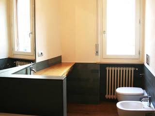 Modern bathroom by Architetto Luigi Pizzuti Modern