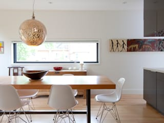 RIVERDALE BOWDEN HOUSE: scandinavian Dining room by Post Architecture