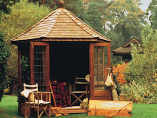 Windsor Summerhouse:  Garden by Chelsea Summerhouses Ltd