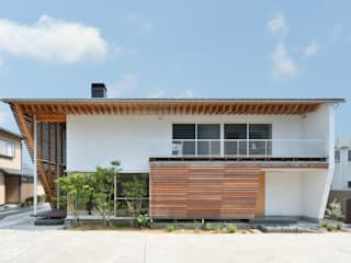 Modern Houses by 丸山晴之建築事務所 Modern