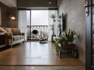 HWH house:  客廳 by 珞石設計 LoqStudio