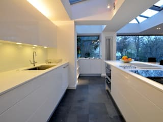 Kitchen Extension, Clifton, Bristol: modern Kitchen by Richard Pedlar Architects