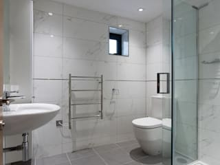 New House,  Clifton, Bristol: modern Bathroom by Richard Pedlar Architects