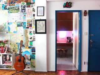 Apartamento super moderno: Salas de estar  por Estúdio Cicada
