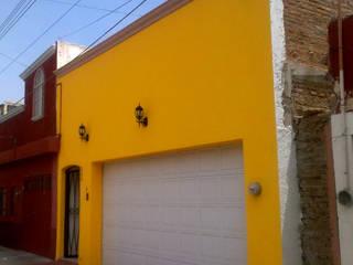 CASA LUPITA PIEDRA: Casas de estilo  por Arquitectos Romero
