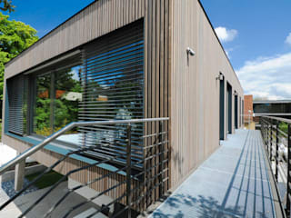 Steg in den Garten:  Häuser von GRIMM ARCHITEKTEN BDA