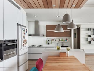 竹北昂:  廚房 by 思維空間設計